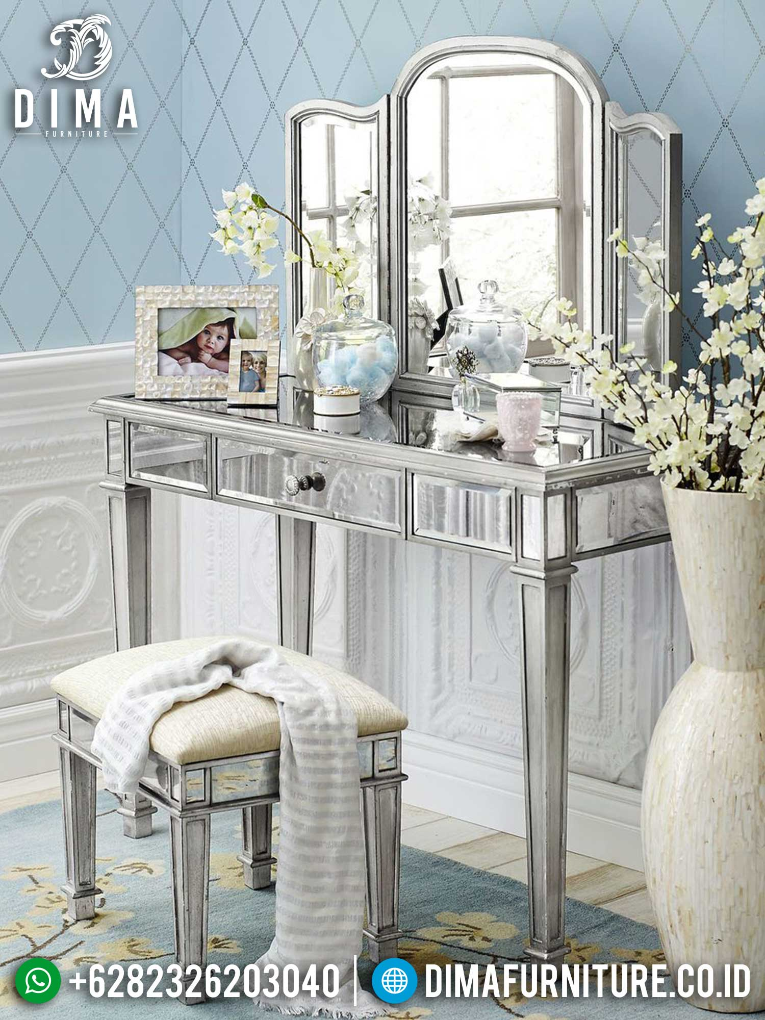 Meja Rias Minimalis Mewah Full Glass Luxury Simple Design Furniture Jepara TTJ-1432