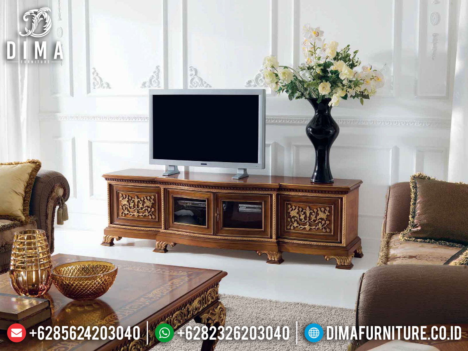 Desain Meja TV Mewah Jati Natural Color Interior Inspiring Design TTJ-1635